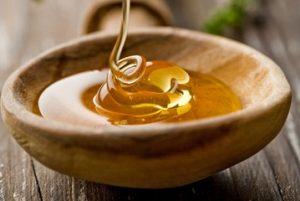 زیبایی پوست دست با عسل