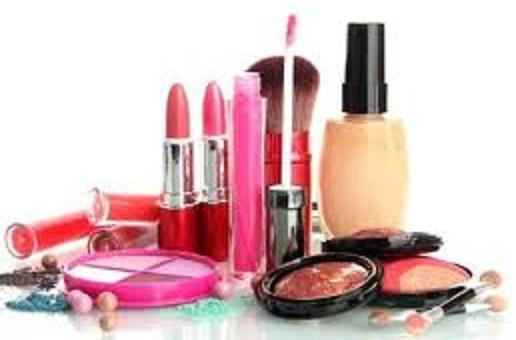 استفاده از مواد آرایشی 24 ساعته چه خطراتی برای پوست دارد؟