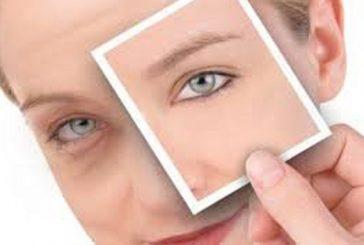 مراقبت از پوست دور چشم  شما را زیباتر می کند